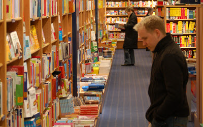 Compare Sites for a Retail Bookstore